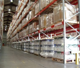 Stakrak SR2000 Series Pallet Racking is an ideal storage option for the Food Distribution Chains changing stock profiles