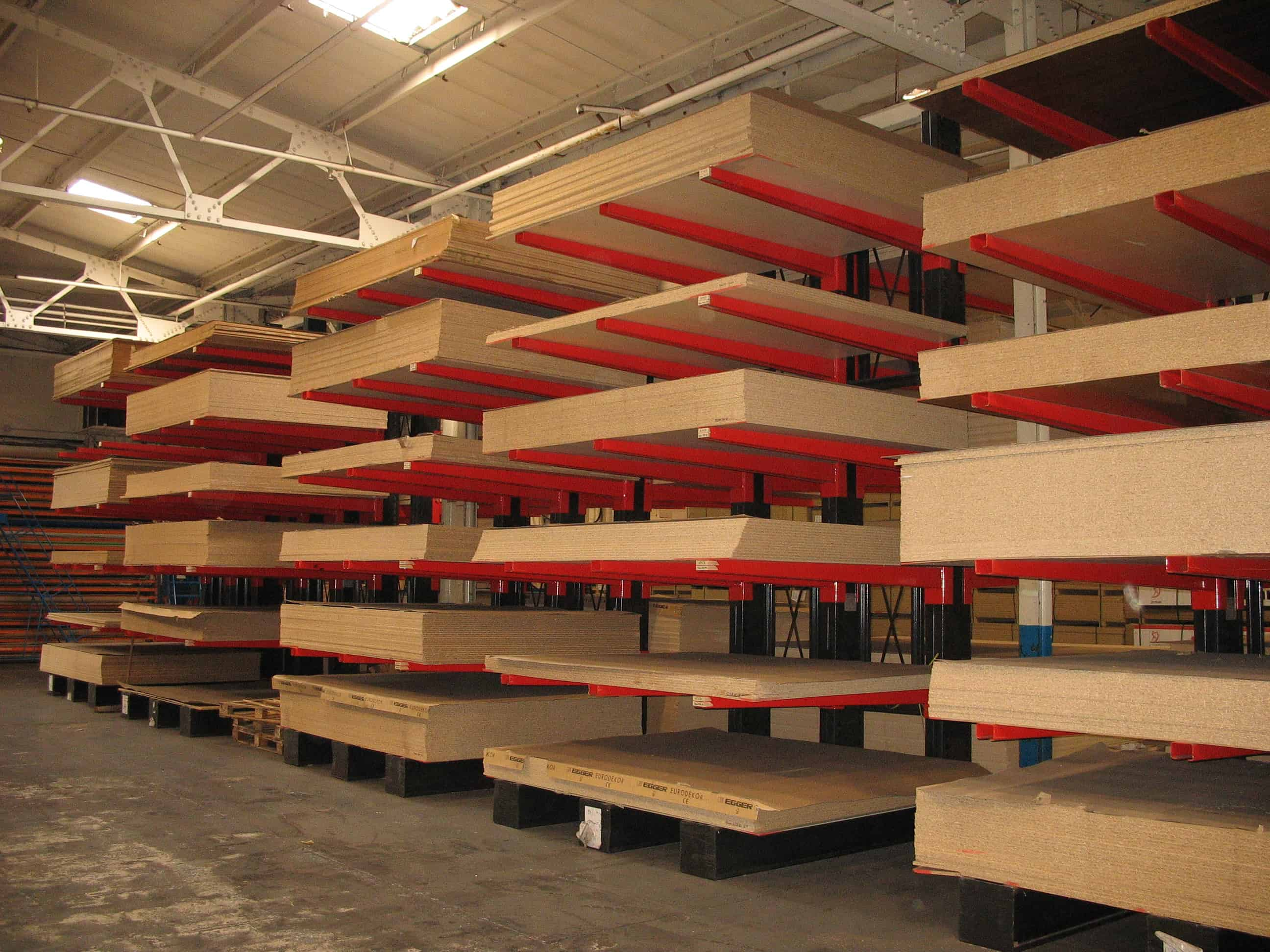 cantilever racking storing panel products