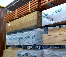 Yard Cantilever Racking with Canopy Roof