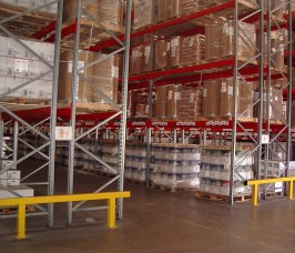 Stakapal's SR2000 Series Pallet Racking offers 100% selectivity to a vast range of Food Products