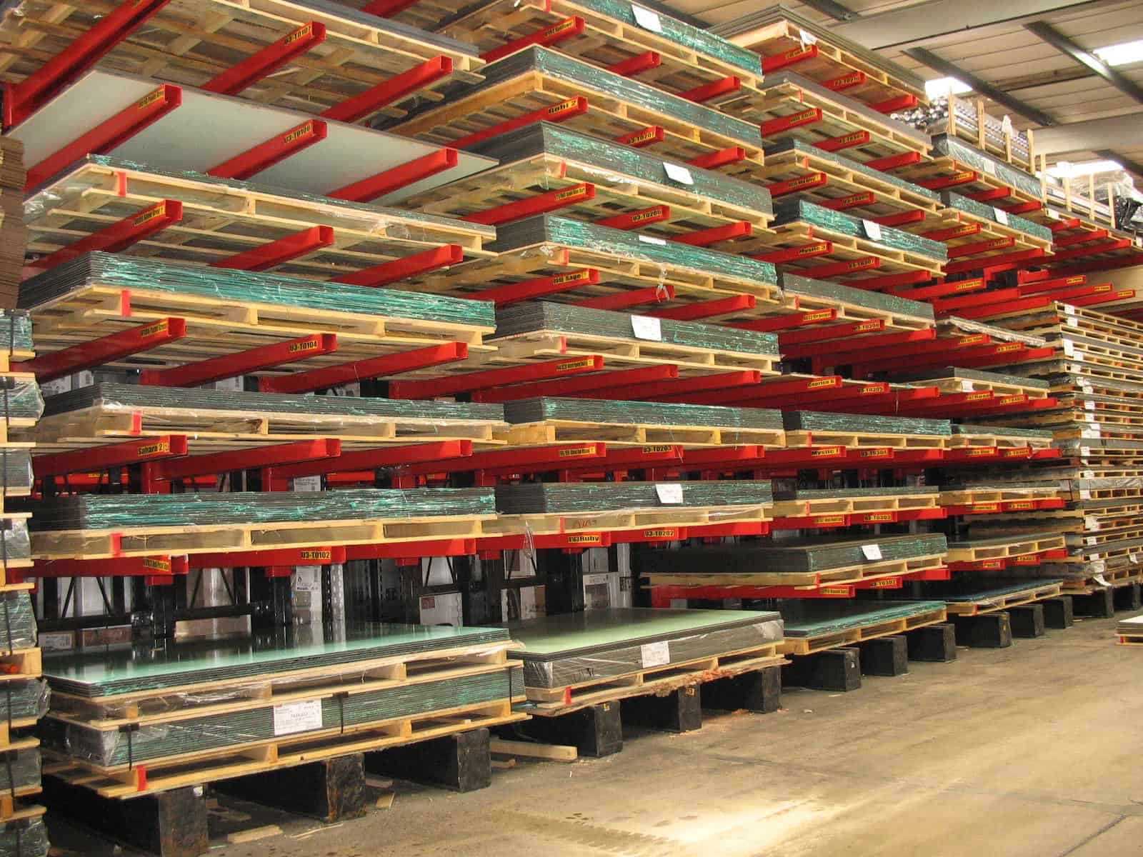 Cantilever Racking storing Panel Products for the Furniture and Joinery Industry
