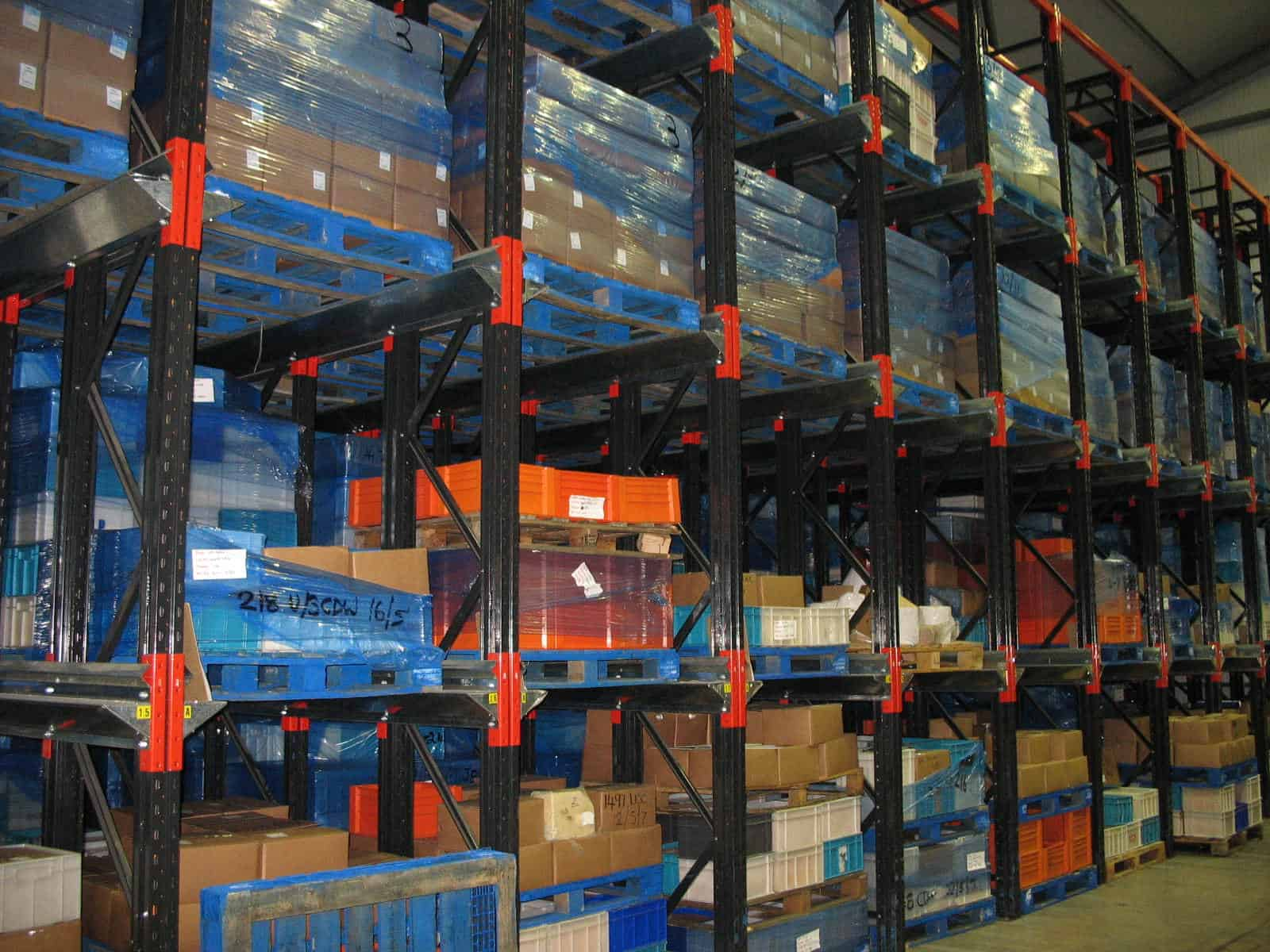 food production drive in pallet racking