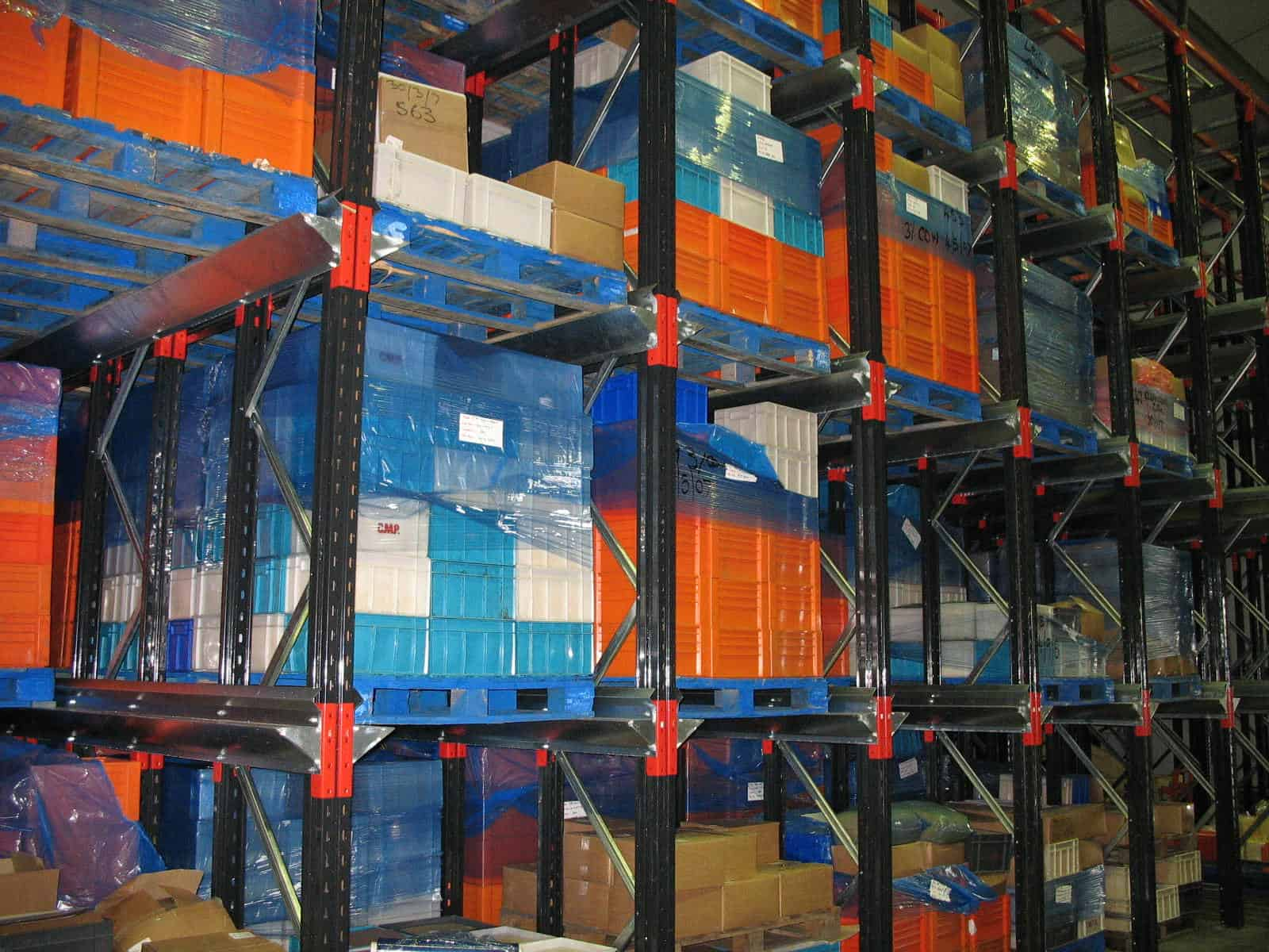 drive in pallet racking in food production
