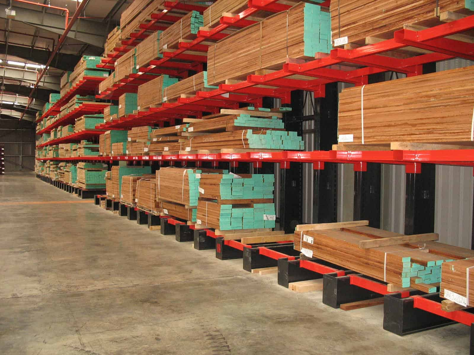 pallet racking used in warehouse