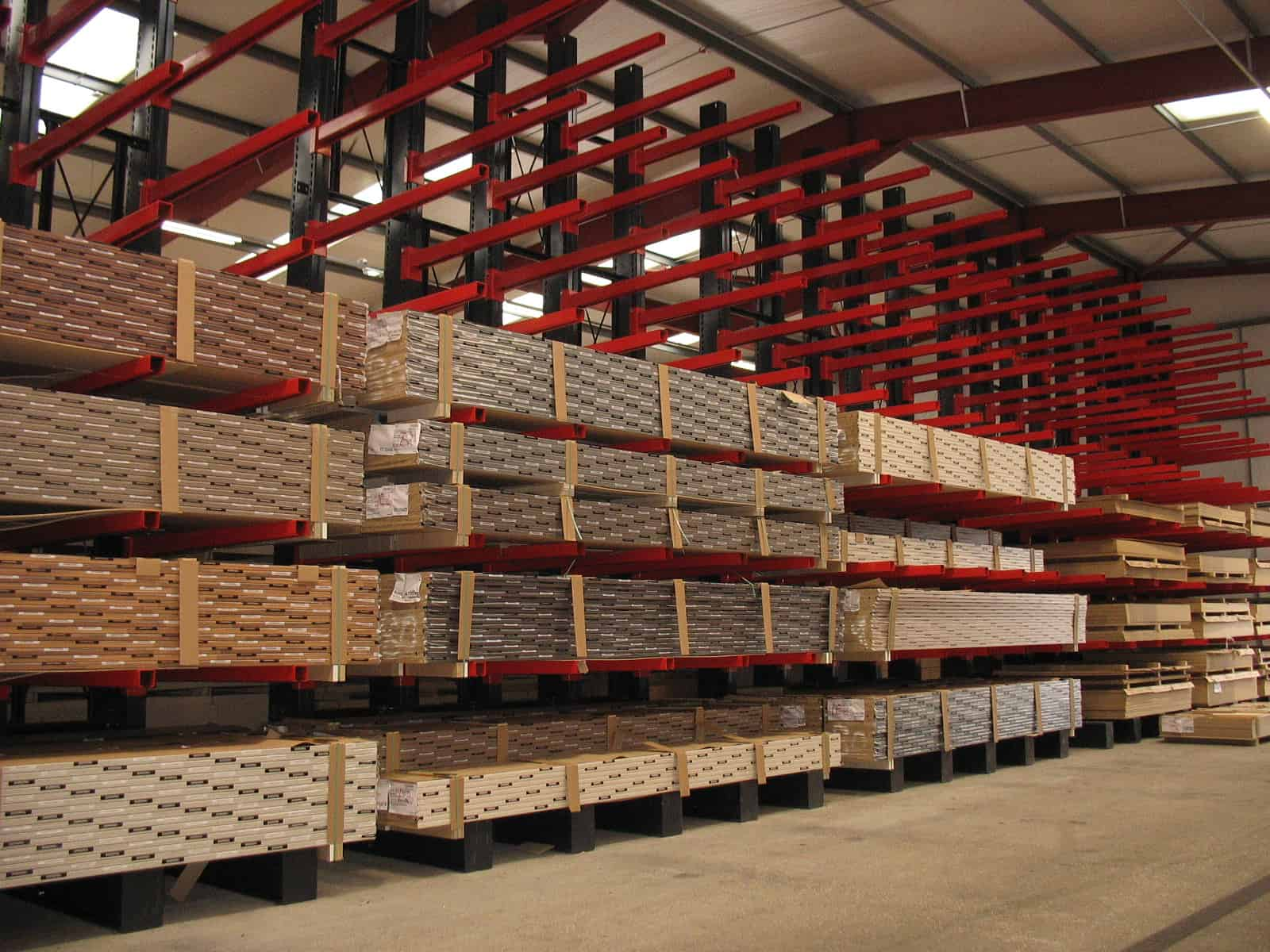 timber cantilever rack