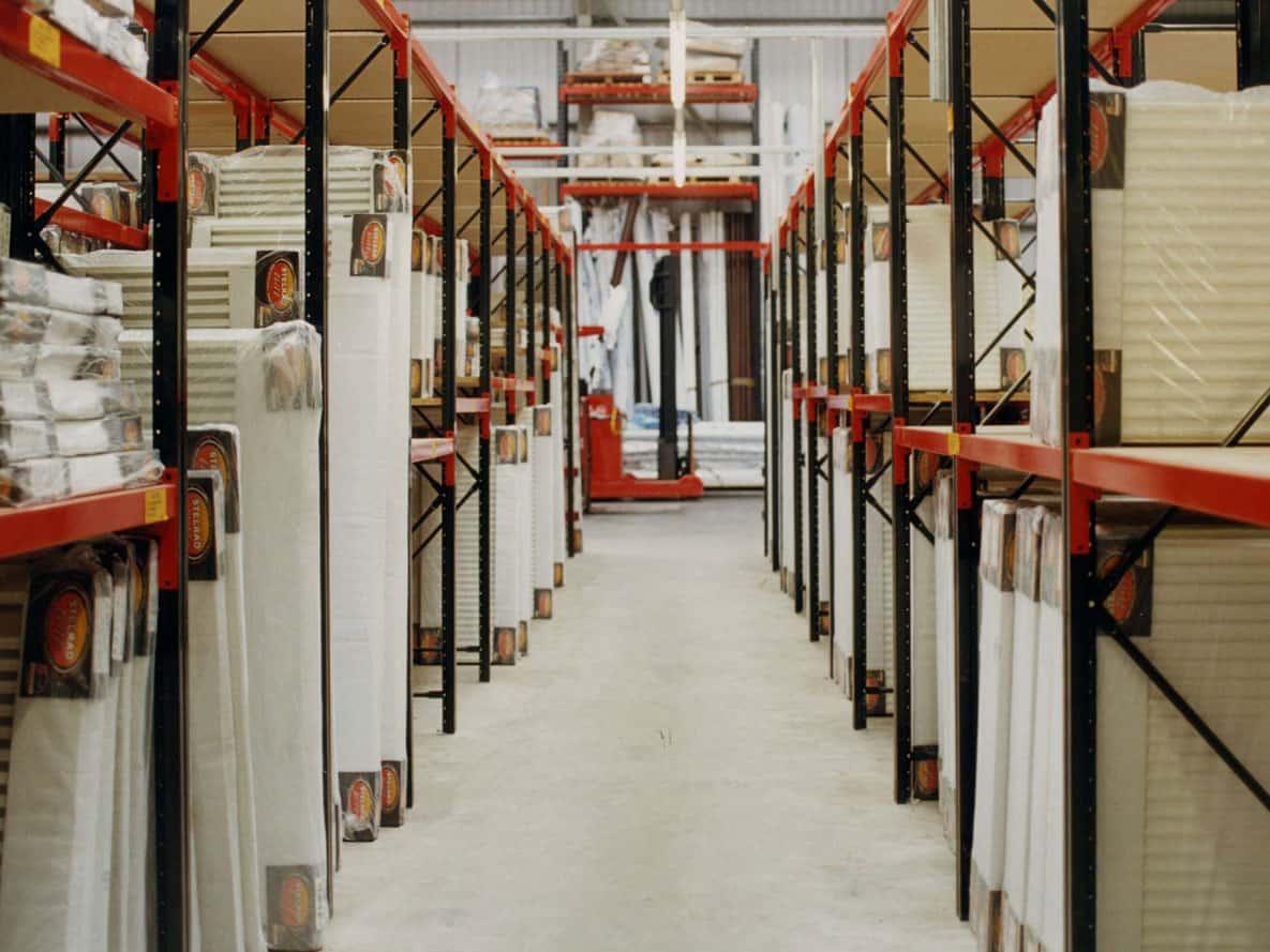 narrow aisle shelving